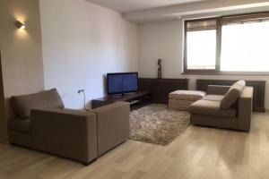 Apartament 3 camere,  Cartierul Francez, loc de parcare