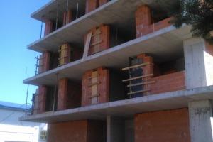 Apartament cu 3 camere în zona Alexandriei