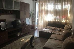 Apartament cu 3 camere în zona Bucur Obor