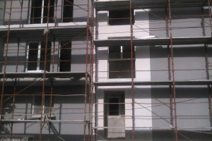Apartament cu 3 camere   în zona Rahova