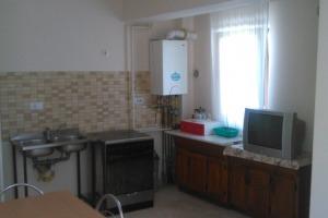 Apartament cu 2 camere  în zona 13 Septembrie