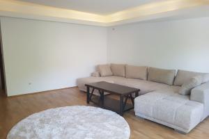 Apartament 2 camere zona Eminescu