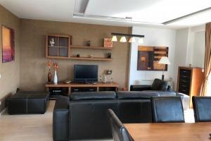 Apartament cu 3 camere in zona Erou Iancu Nicolae.