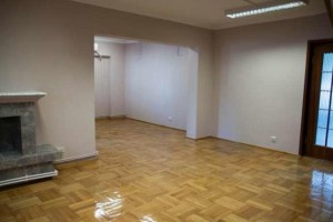 Apartament 6 camere in zona 13 septembrie