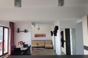 Apartament decomandat , 4 camere, zona de Nord, Pipera.