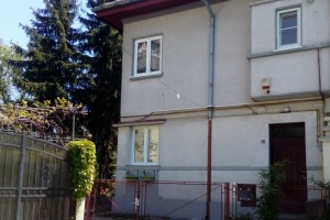 Apartament in vila , teren 160 mp gradina garaj Eroii Revolutiei