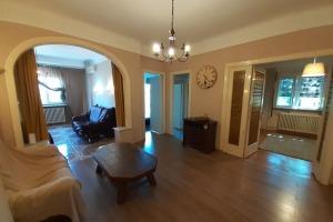 Armeneasca Mosilor 3+1 camere, mobilat utilat, locuinta/firma