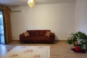Aviatiei - Apartament nou, lux, parter, curte proprie 62 mp