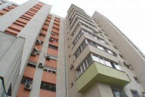 2 camere Decomandat 62mp , bloc 1981