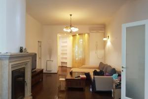 Casă / Vilă cu 5 camere de închiriat în zona Stirbei Voda