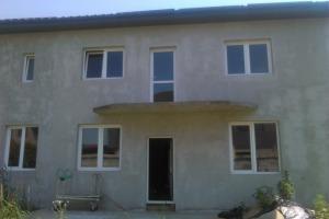 Casă / Vilă cu 4 camere în zona Haliu