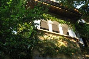 Cotroceni, apartament in vila , 8 camere  etaj 1+M/P+1+M