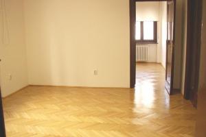 Inchiriere apartament 7 camere in vila 181 mp, Piata Romana