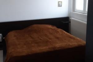 Bd. Al. Obregia 2 camere decomandat mobilat utilat