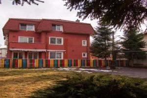 Parcul Herastrau-vila singur in curte,500mp curte libera.