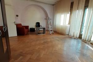 Piata Rosetti Vasile Lascar 4+1 camere, nemobilat, spatios, terasa