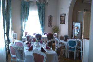Restaurant in vila cu predare