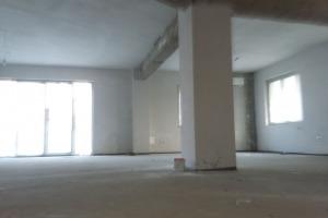 spatiu stradal in vila  Mihai Bravu  piata muncii 300mp