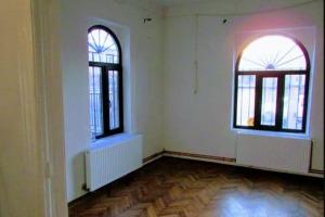Ultracentral 3 camere in vila, nemobilat, pretabil firma/cabinet