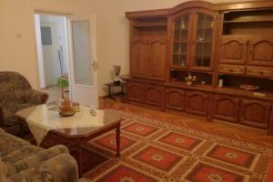 Unirii Sfanta Vineri, 3 camere decomandat spatios mobilat si utilat