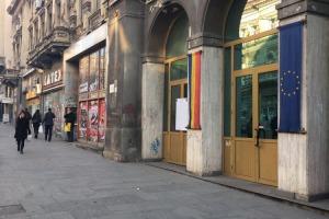 Universitate stradal spatiu S+P+M 427mp,vitrina 8m la rosu 1400 eur/mp
