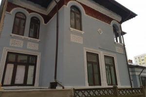 Vila singur curte Piata Iancului 10 camere