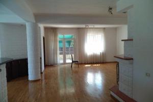 Vila P+1 in zona Erou Iancu Nicolae.