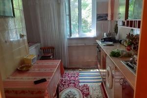 Zona Auchan Titan, Liviu Rebreanu,  3 camere,  P/4, 85000 Euro